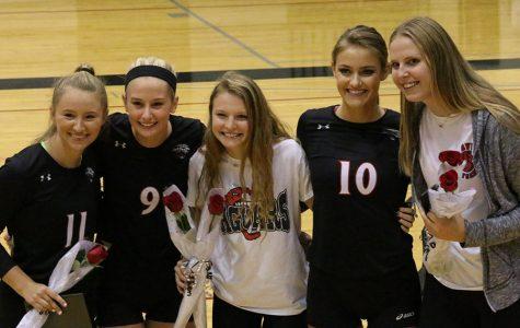 Volleyball hosts Senior Night